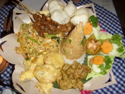 Menü im Nelayan, nur zu empfehlen! - Restaurants in Tanjung Benoa