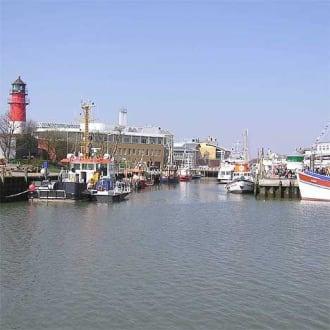 Einfahrt zum Museumshafen - Museumshafen Büsum