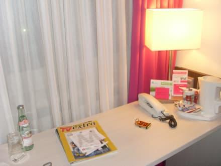 Schreibtisch - Mirabell München