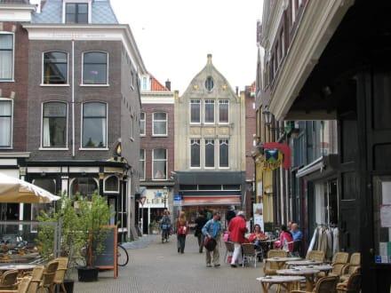 Strassencafe - Zentrum Delft