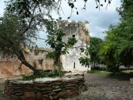wie gesagt, teilweise noch gut erhalten - Fort Ikoma
