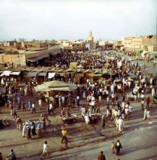 In der Altstadt von Marrakesch - Place Djemaa el Fna