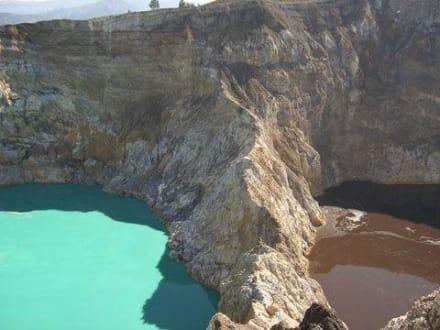 Die 2 Vulkanseen von Kelimutu - Sepia