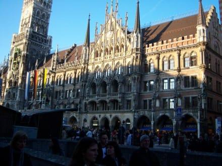 Marienkirche mit Ratskeler - Ratskeller München