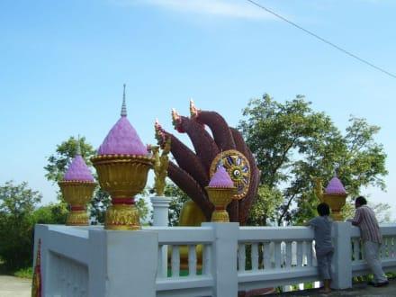 Am Tempel - Weisser Buddha