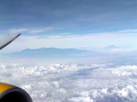 Kilimanjaro aus der Vogelperspektive - Nationalpark Kilimandscharo / Kilimanjaro