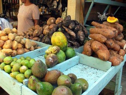 Gemüsestand - Markt Higuey