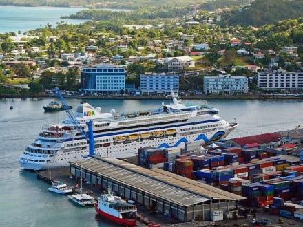 AIDA-Vita in St.Lucia - Kreuzfahrthafen Castries