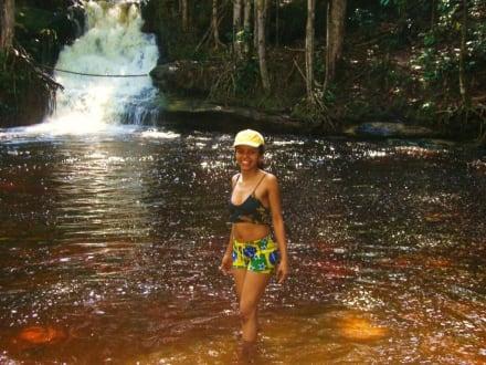 Abkühlung am Wasserfall - Cachoeira Orquídea