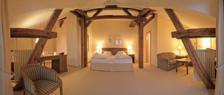 suite in abtsm hle bild romantik hotel bergstr m in l neburg niedersachsen deutschland. Black Bedroom Furniture Sets. Home Design Ideas