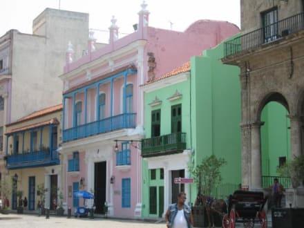 Häuserzeile in der Altstadt - Altstadt Havanna