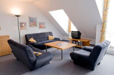 Bsp. Wohnraum - Upstalsboom Ferienwohnungen im Sünnslag