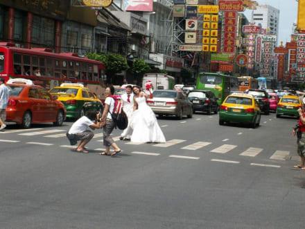 Hochzeitsfotos im Verkehr - Chinatown