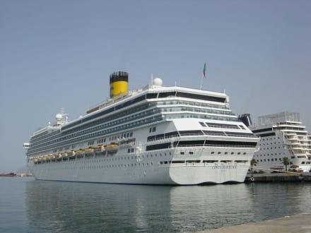 Kreuzfahrtschiff Costa Fortuna - Hafen Palermo