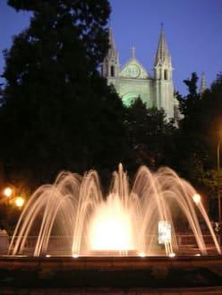 Kathedrale von Palma am Abend - Kathedrale La Seu