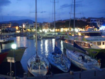 Hafen bei Nacht - Yachthafen Cala Ratjada
