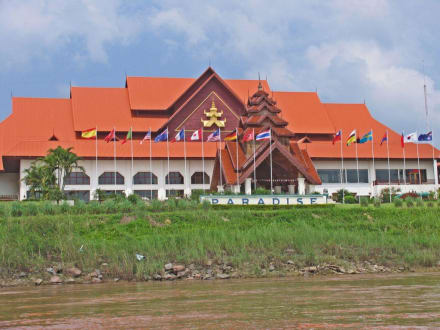 "Spielcasino ""Paradise-Resort"" - Goldenes Dreieck"