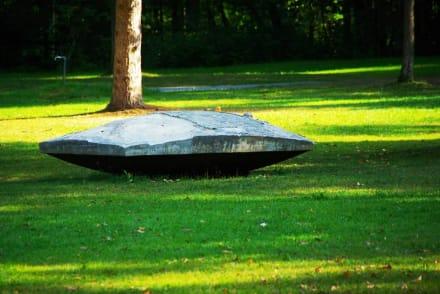 Moderne Kunst auch da - Zeller See