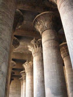 Säulenhalle - Tempel des Chnum / Esna