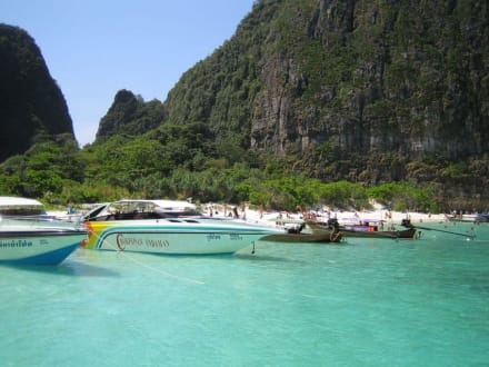 Maya Bay um 11.00 uhr - Maya Bay / The Beach