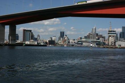 River Cruise - Melbourne River Cruises