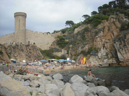kleine Badebucht hinter der Burganlage - Strand Tossa de Mar