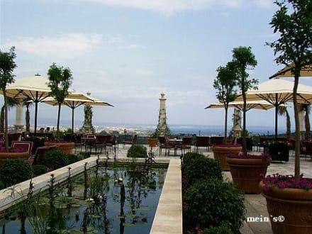 Blick auf die Terrasse - Castillo Hotel Son Vida
