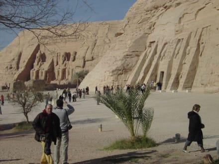 Beide Tempel auf einen  Blick - Tempel von Abu Simbel
