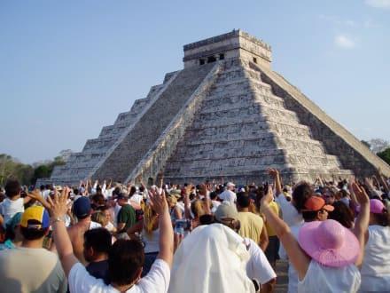 Equinox-Schauspiel am 21.März 2005 - Ruine Chichén Itzá