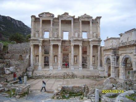 Die Celsus Bibliothek! - Antikes Ephesus