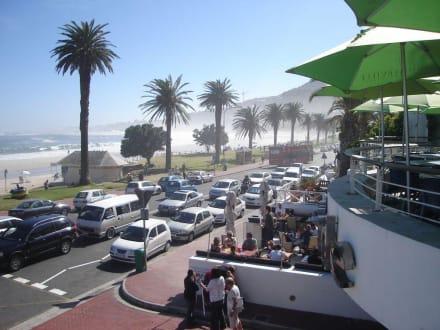 Victoria Road und Strand - Strand Camps Bay