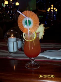 Lecker Cocktail - Café l Opera