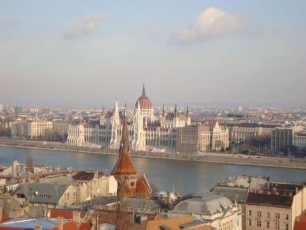 Blick auf die Donau und das Parlament - Parlament