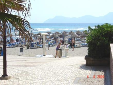 Strand von Son Baulo, Blick von der Promenade - Strand Son Bauló