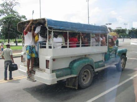 Bus - Altstadt Santiago de Cuba
