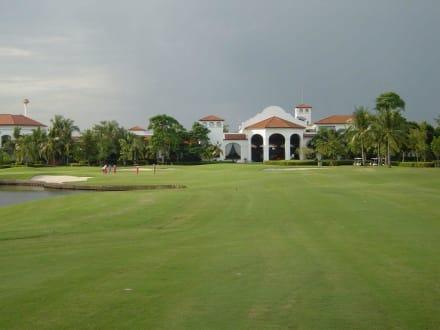 Club House - President Country Club