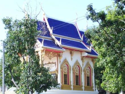 Blaues Dach - Weisser Buddha