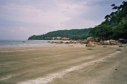 Der Strand Telok Chempedak am Tage - Telok Chempedak