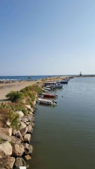 Künstlich angelegter Hafen. - Hafen Evrenseki