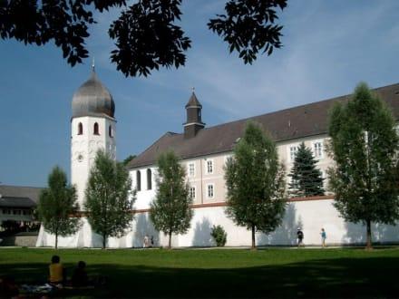 Kloster auf der Fraueninsel - Kloster Frauenchiemsee