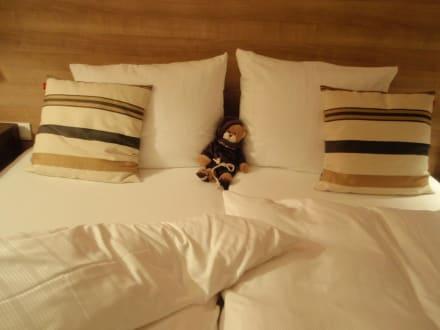 ein etwas anderer m nch bild klosterhotel marienh h lifestyle familienhotel in langweiler. Black Bedroom Furniture Sets. Home Design Ideas