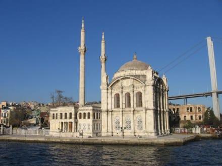 Schönsten Eindrücken am Bosporus Ufer - Moschee von Ortaköy