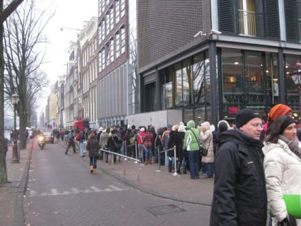 Warteschlange vor Anne Frank Museum - Anne Frank Haus