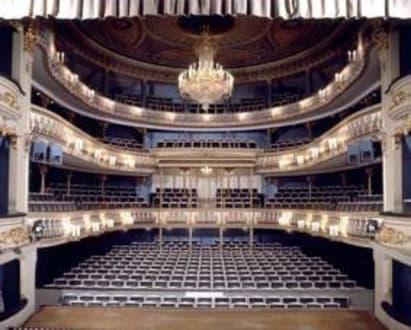 landestheater von innen bild landestheater in coburg. Black Bedroom Furniture Sets. Home Design Ideas