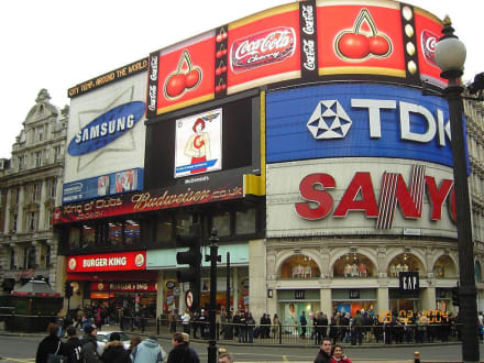 Picadilly Circle - Piccadilly Circus