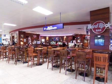 Barbereich im Malta International Airport - Hard Rock Bar MIA