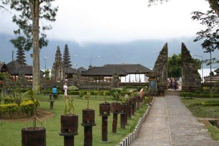 Tempel - Guide Manfred & Erna Denpasar