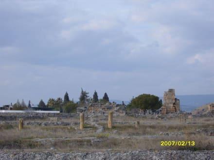 Reste in der Landschaft! - Hierapolis
