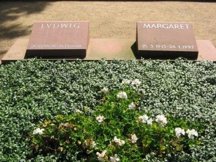 Grab der Großherzoglichen Familie - Rosenhöhe Park
