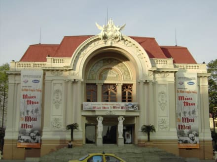 Theater in Saigon - Opernhaus in Saigon